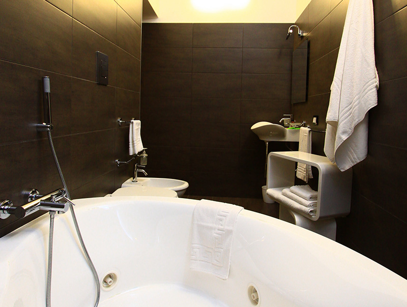 Suite estate bagno